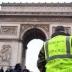 В Париже во время столкновений получили ранения около 30 человек