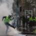 В Париже продолжаются задержания